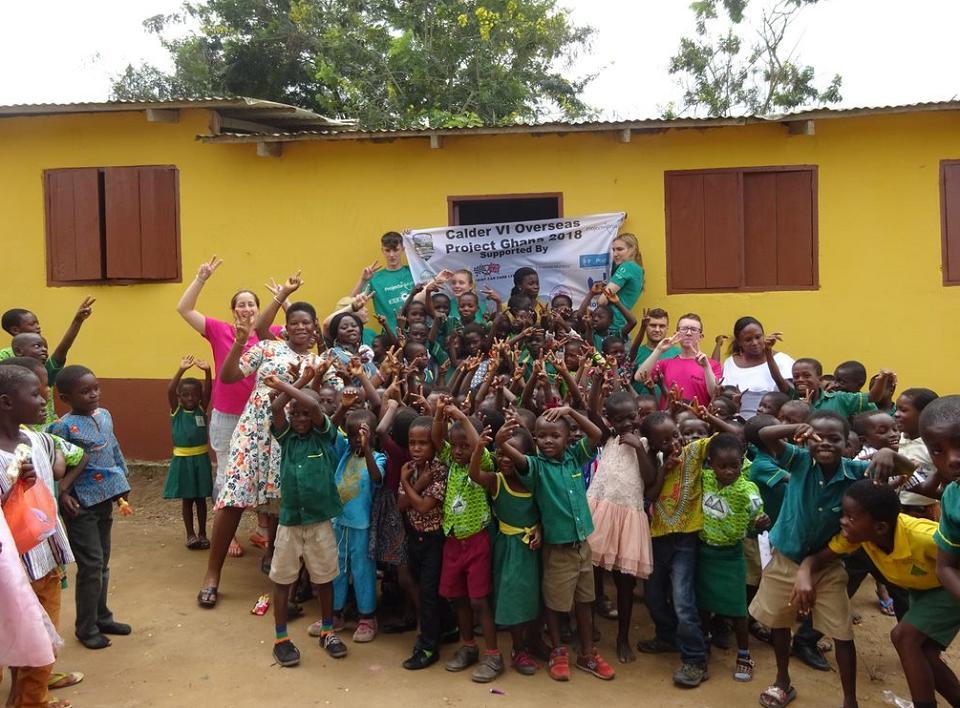 School children and volunteers