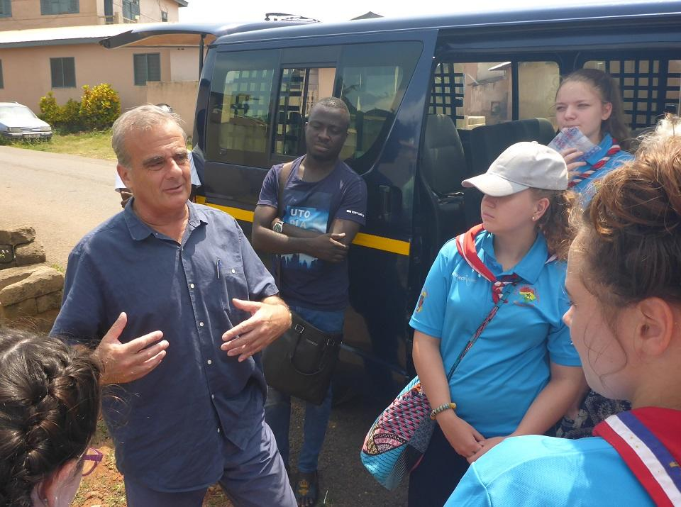 Guides talking to Peter