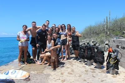 A group of Projects Abroad conservation volunteers take part in an ocean clean up in Galapagos, Ecuador