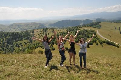 Projects Abroad Journalism High School Special volunteers hike the mountains in Mures County